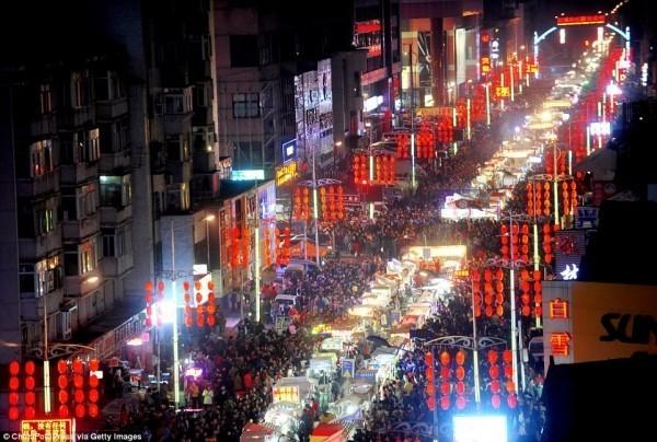 В Шэньяне ночной рынок