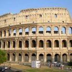 В Риме отмыли Колизей