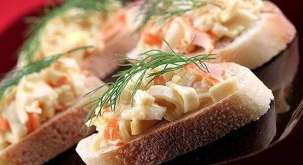 Как приготовить бутерброды с крабовыми палочками