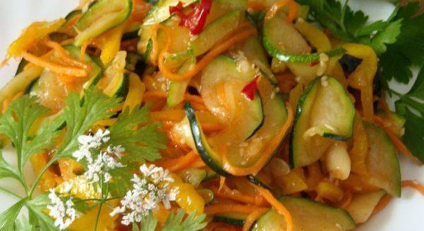 Приготовление салата из кабачков