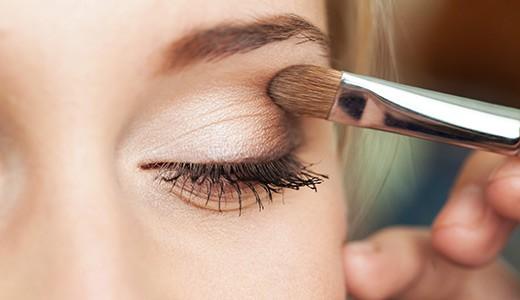 Как накрасить глаза тенями
